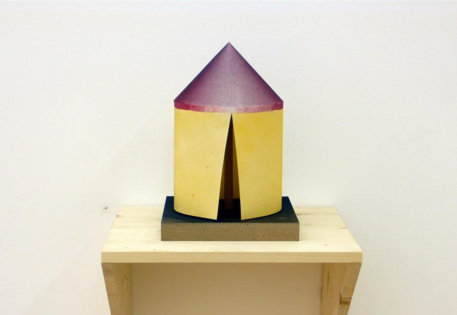 Papier, Holz, Sprühfarbe, 55 x 40 x 35 cm
